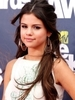 Selena Gomez Blames Junk Food for Health Issues