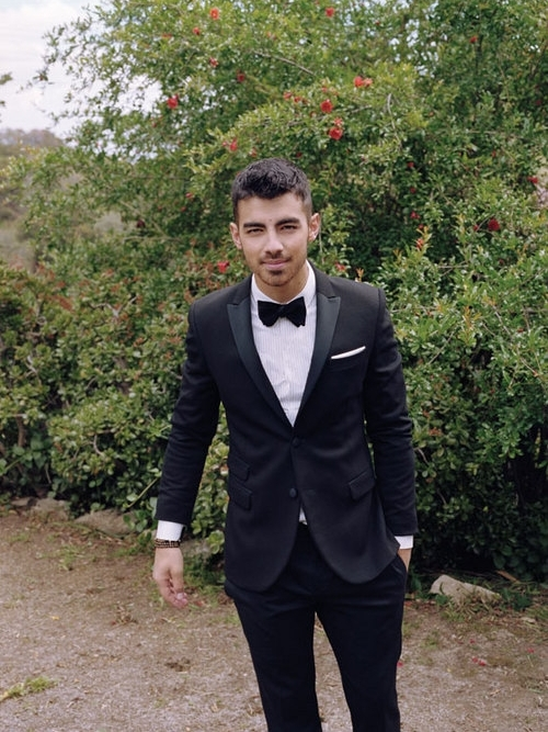 Joe Jonas Covers Paper Mag