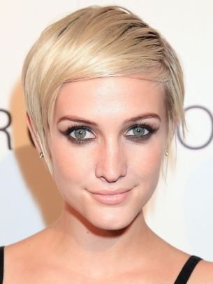 Ashlee Simpson Short Layered Hair
