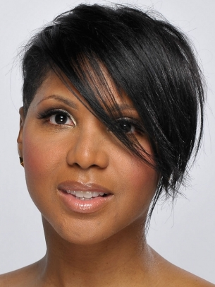 Toni Braxton Short Layered Hair