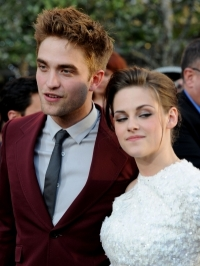 Robert Pattinson: Dating Kristen Stewart Has Been Traumatic