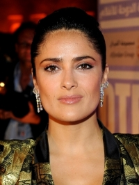 Salma Hayek to Launch Beauty Line