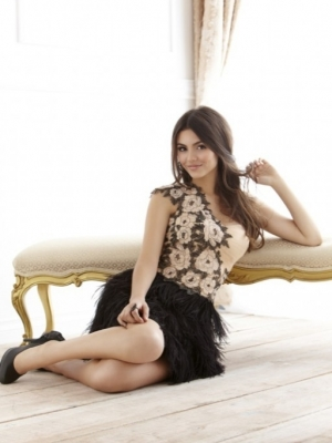 Victoria Justice Covers Savvy Magazine Spring 2011