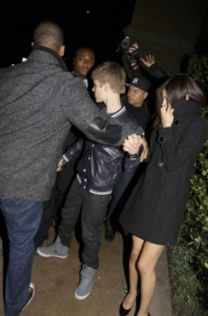 pictures of selena gomez getting punched in the face. However, Selena Gomez didn#39;t
