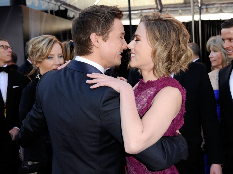 are jeremy renner and scarlett johansson dating 2012