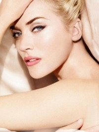 Kate Winslet's Lancome L'Absolu Nu Lipsticks TV Ad
