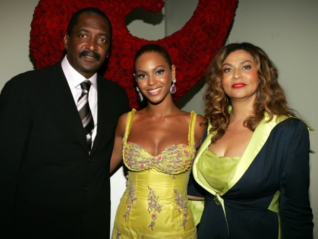 Beyonce Drops Dad as Manager