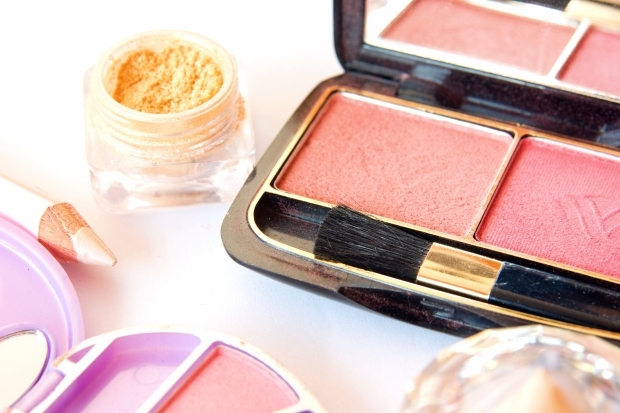 Top Must-Haves in Your Makeup Bag