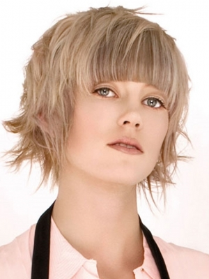 Medium Choppy Layered Hair Style
