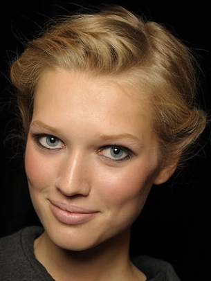 How to Style a Twisted Updo