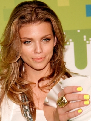 AnnaLynne McCord Yellow Nail Color