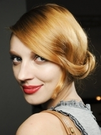 Runway Inspired Holiday Hairstyle Ideas