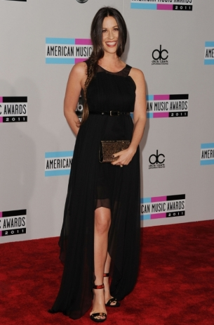 Alanis Morisette 2011 AMAs Red Carpet