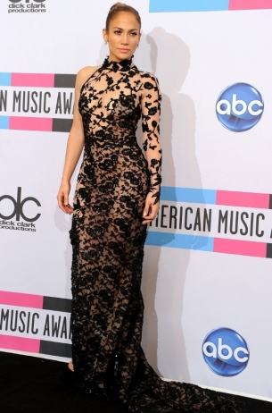 Jennifer Lopez 2011 AMAs Red Carpet