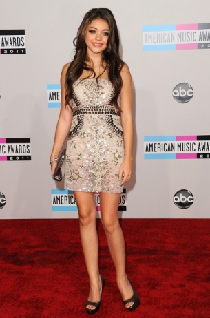 Sarah Hyland at the 2011 AMAs Red Carpet