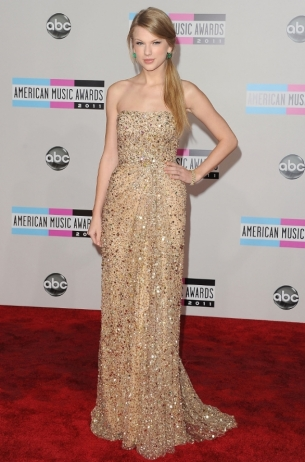 Taylor Swift 2011 AMAs Red Carpet