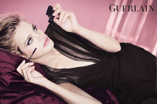"Guerlain Launches Her Collection Makeup Spring-2012, ""Les Roses Et Le Noir"""