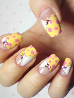 Polka Dot Nails