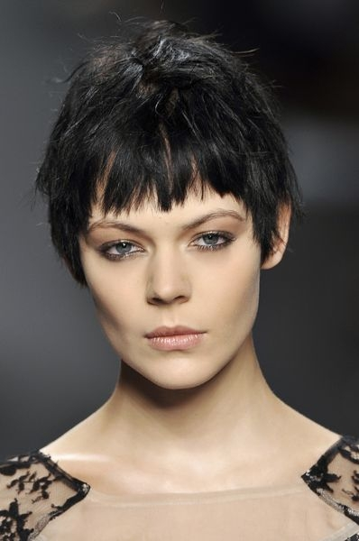 Short Choppy Hairstyles with Bangs