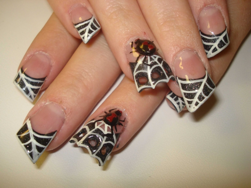 Last Minute Halloween Nail Art Inspiration|