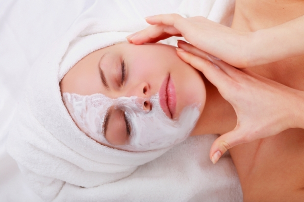 anti wrinkles facial massage