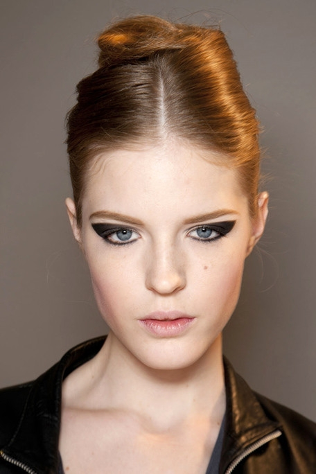 Effortless Runway Hairstyles For Fall 2011