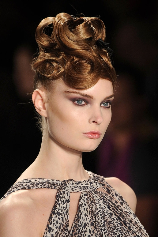 Curly Hairstyle Trends For Fall Winter 2011 2012