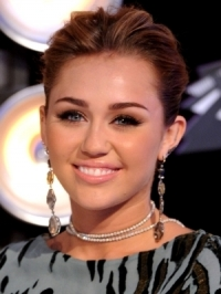 Inspirational Celebrity Makeup Ideas for Fall/Winter 2011