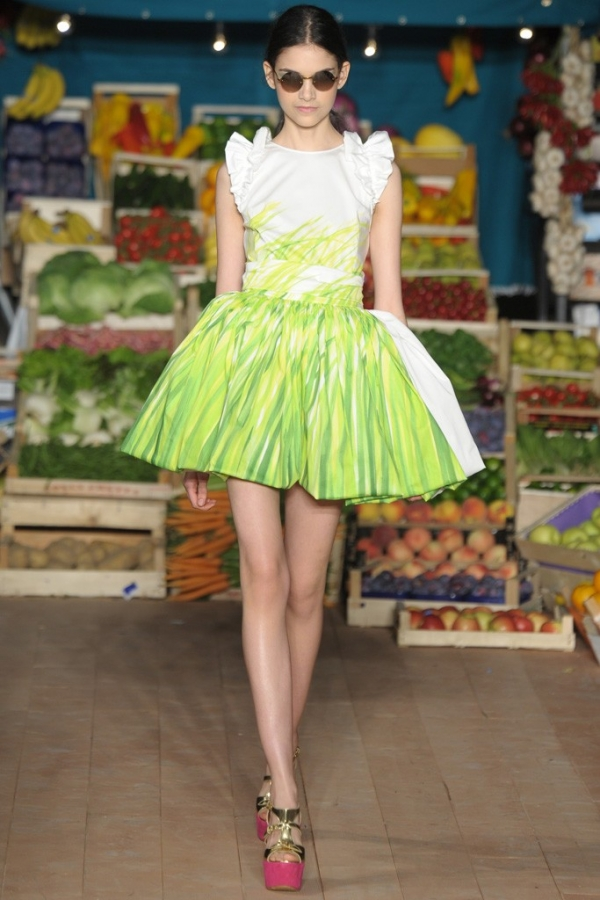 Cheap moschino and chic spring runway review