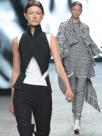Gareth Pugh Spring 2012 - Paris Fashion Week
