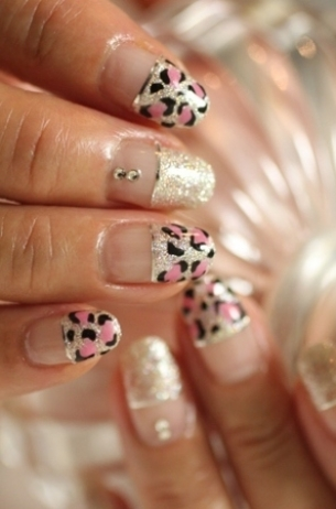 chic-summer-nail-art-ideas