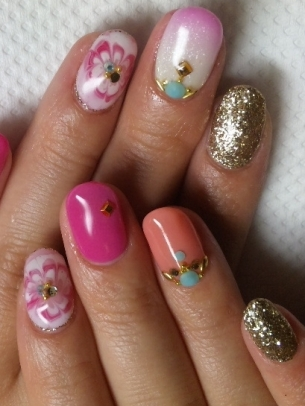 Pretty Nail Art Idea