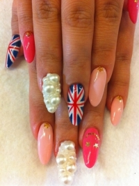 Trendy Nail Art Ideas for Summer 2012