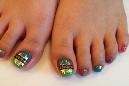 ... top coat before you proceed tocreating your bedazzled pedicure