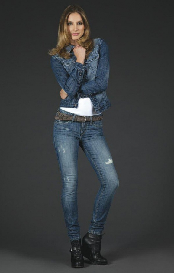 Robin Jeans Robin's Jeans Fall 201...