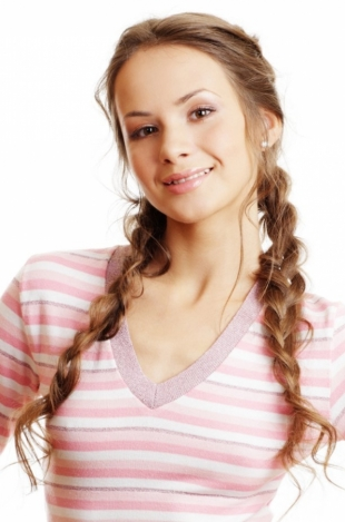 cute winter hair styles winter hairstyles for 2012 2013 2328 | cute winter hairstyles for 2012 2013 thinkstock 2 thumb