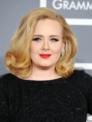 Adele Blonde Hairstyle 2012 Grammy Awards