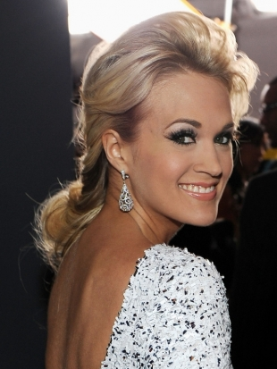 Carrie Underwood Ponytail Hairstyle 2012 Grammy Awards
