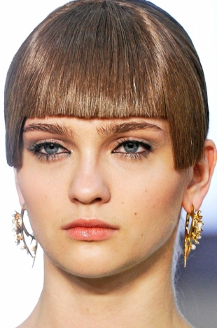 Fall 2012 Runway Beauty Trends - London Fashion Week