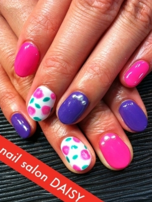 Pretty Pink Purple Nail Art