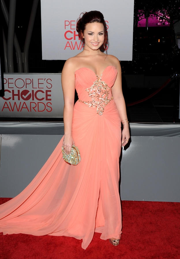 Demi Lovato - 10 perfect prom songs - coral dress - People's Choice Awards