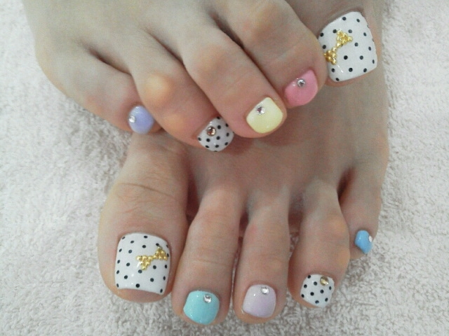 Pretty Toe Nail Designs