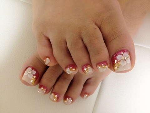 Pretty Pedicure Nail Art Ideas for 2012.