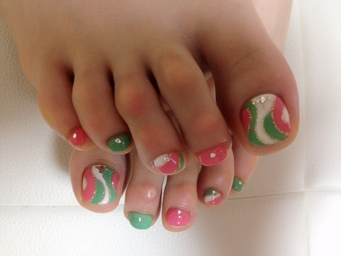 Pretty Pedicure Nail Art Ideas for 2012