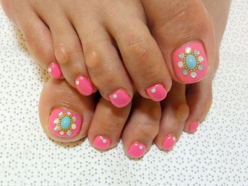 Stylish Pedicure Nail Art Designs for Summer