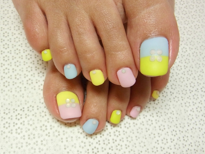 Stylish Pedicure Nail Art Designs for Summer.