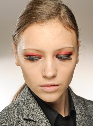 how to become a runway makeup artist