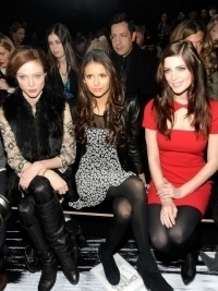 Buzz News: Celebrities Paid to Sit in the Front Row