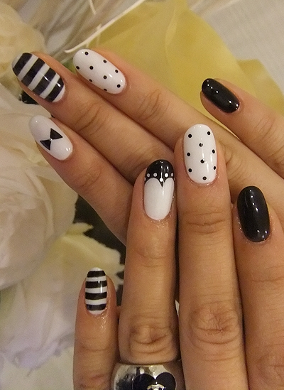 very new nails art design 2012 - Nail Design Ideas 2012