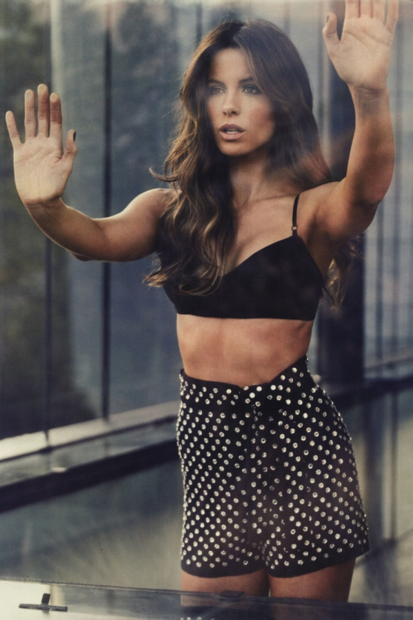 Kate beckinsale abs